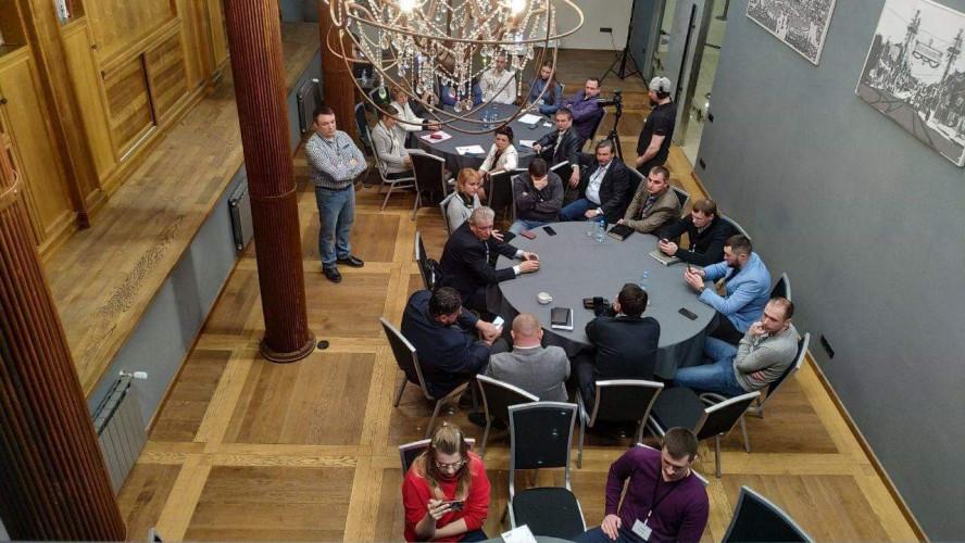 Засідання круглого столу Дорожнього клубу
